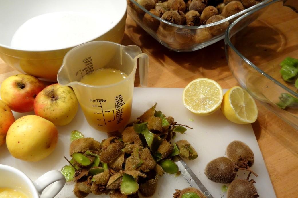 Kiwi & pineapple jam