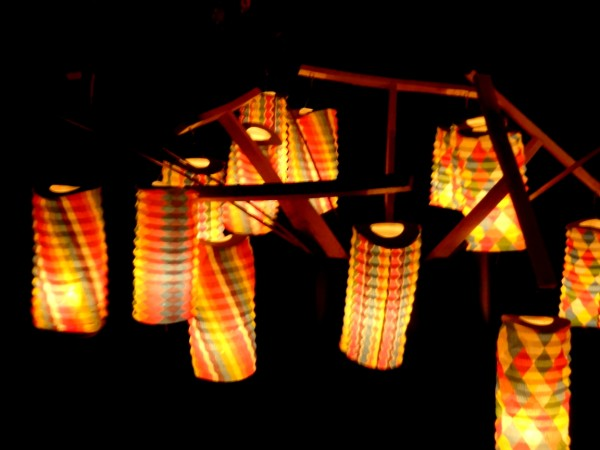 candle lit lanterns
