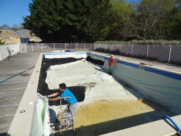 removing a pool liner