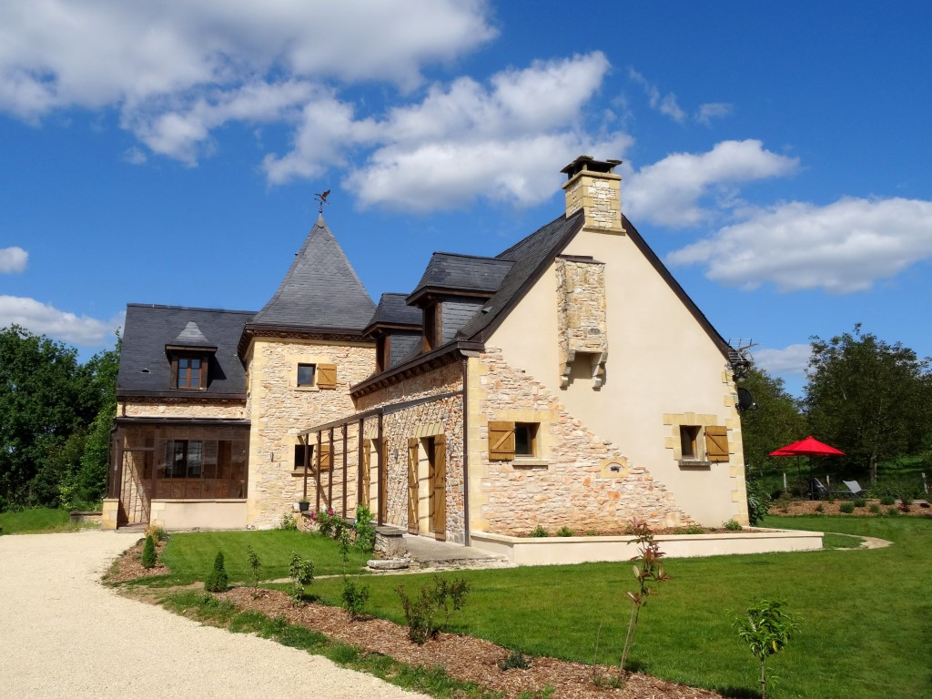 dordogne holiday villa with private pool