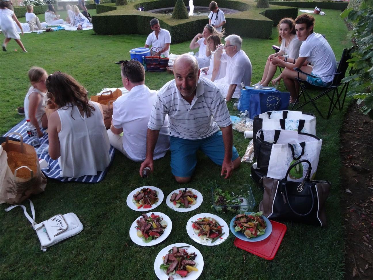 Les Jardins d'Eyriganc picnic blanc