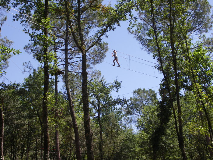 high wire action at La Forêt des Ecureuils in sarlat.
